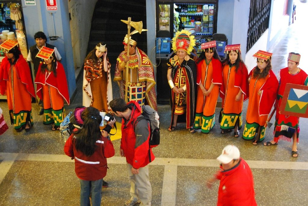 Welcoming Travelers this Morning in Cuzco