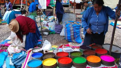 A Market Day, Dies for Weaving in Pisac (Wayra)