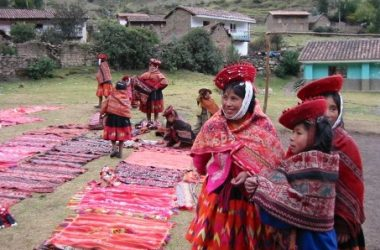 Huilloc Women Showing their Textiles