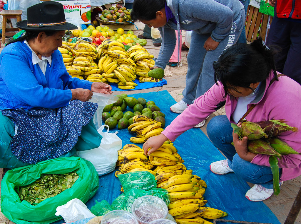 Exchanging Coca and Fruits