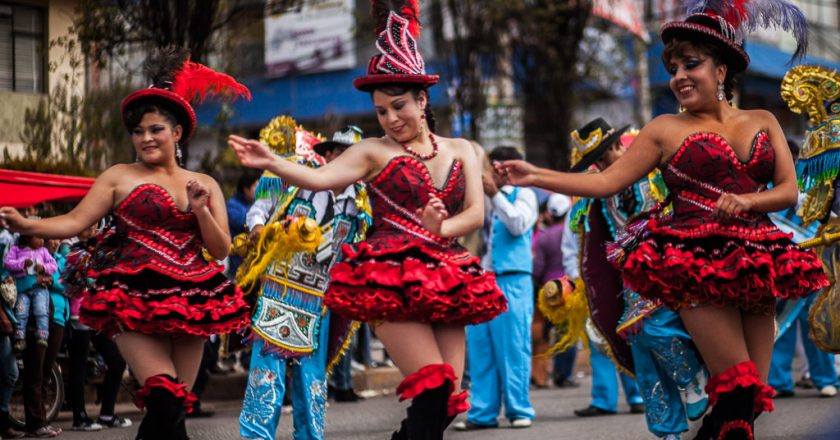 Women dancing the Morenada.