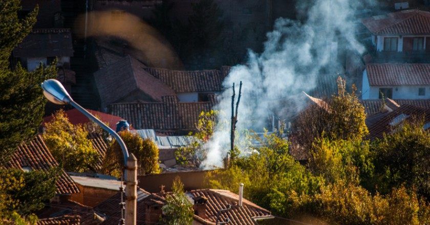 Smoke Rising From a Burning Garden in Cuzco (Photo: Wayra)
