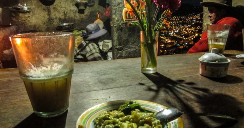 Spending a Nice Time at the Chicheria (Photo: Wayra)