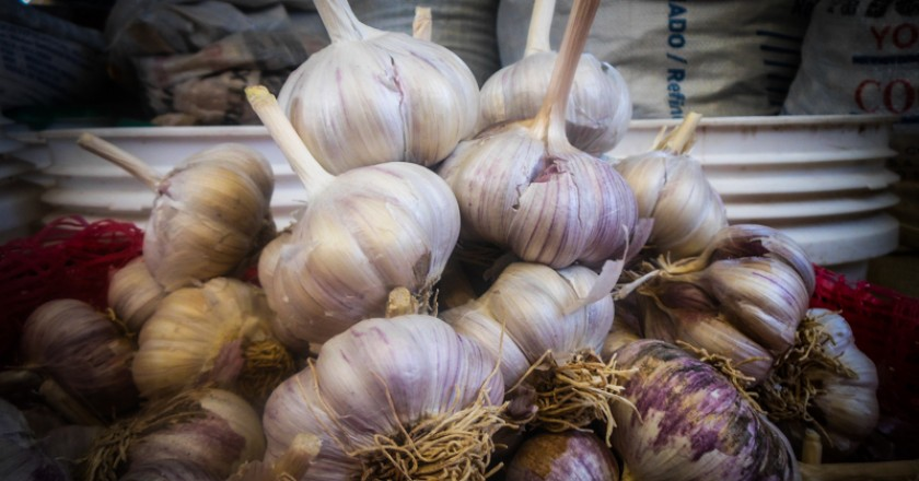 Whole Garlic in Cuzco (Photo: Walter Coraza).