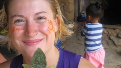 Making a Kintu of Coca Leaves to Share with the Pacha Mama in the Way to Machu Picchu