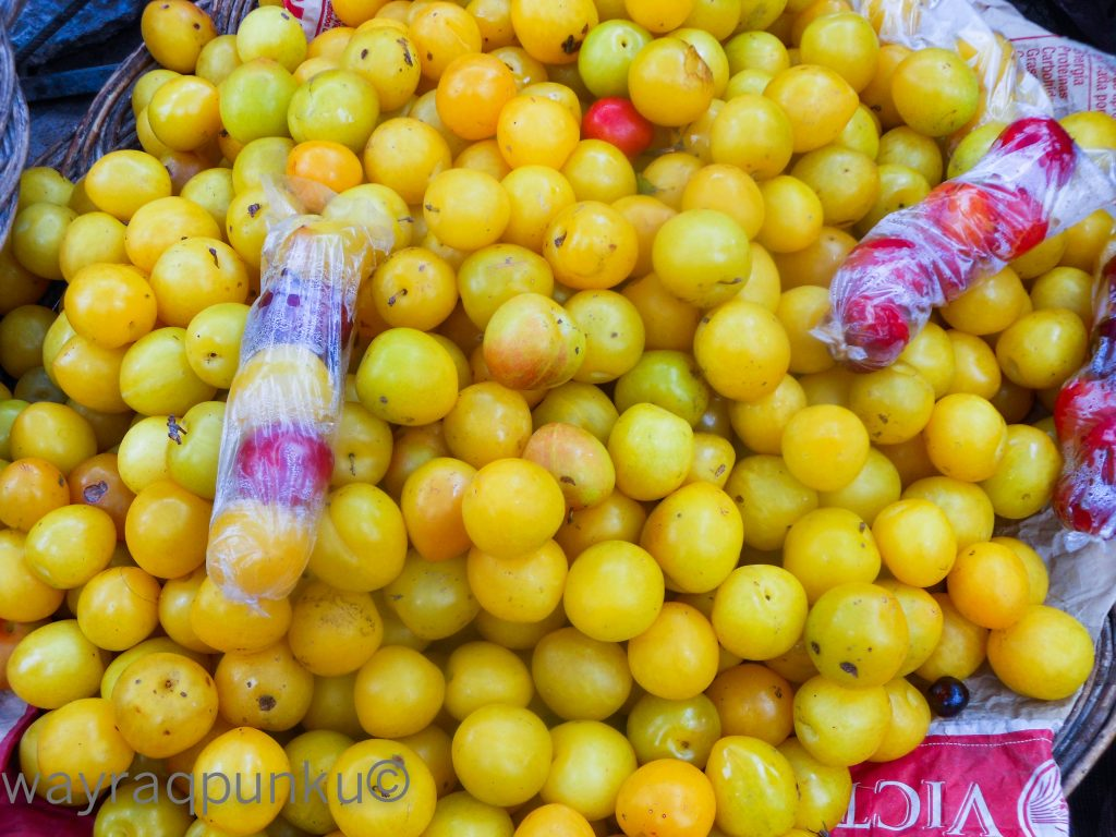 Delicious Cherries For Sale at Rosaspata Market (Photo: Arnold Fernandez Coraza)a