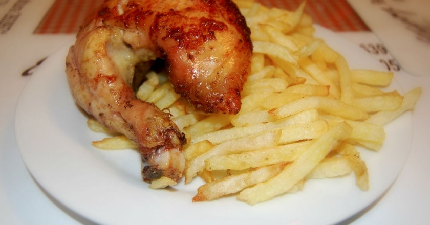 Chicken and French Fries (Photo: Walter Coraza Morveli)
