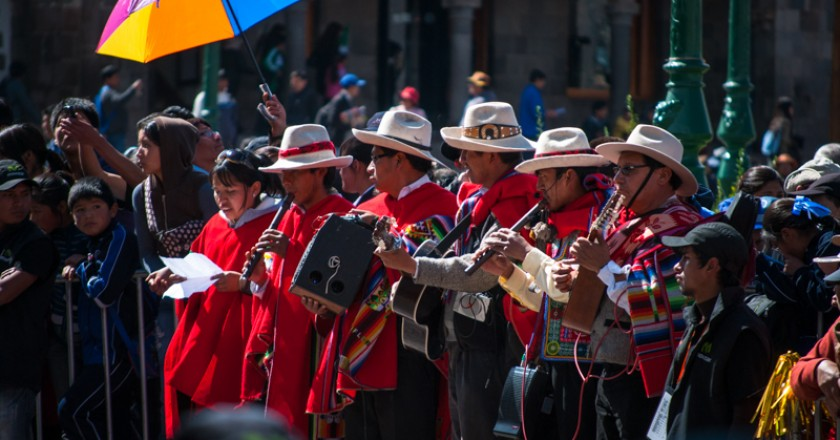 Musicians Playing Huayno in Cuzco's Plaza de Armas (Photo: Wayra)