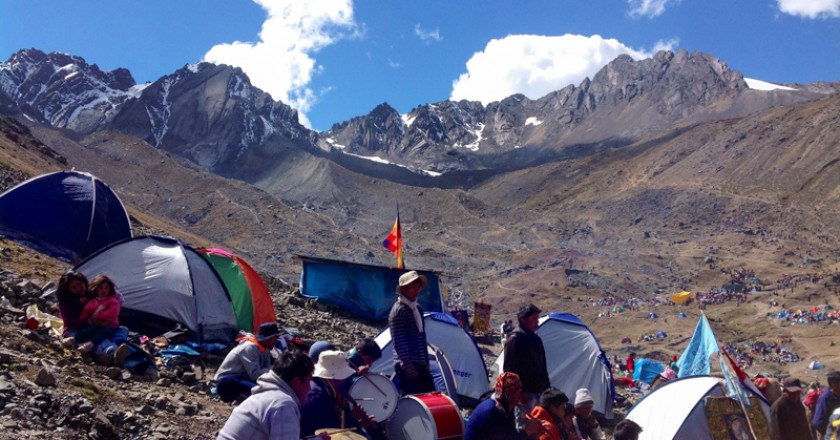 Camping in Qoyllu Rit'i with opts of People (Eric Rayner)