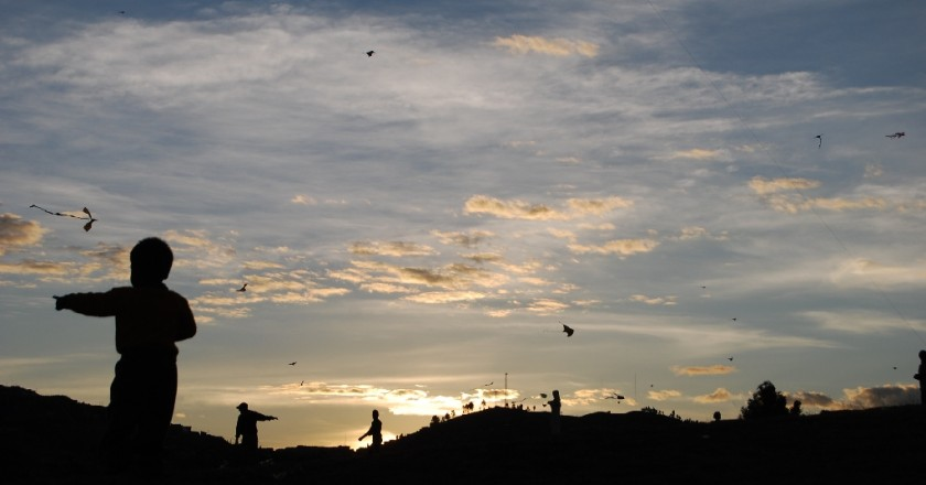 Flaying Kites in Sacsayhuaman (Wayra)