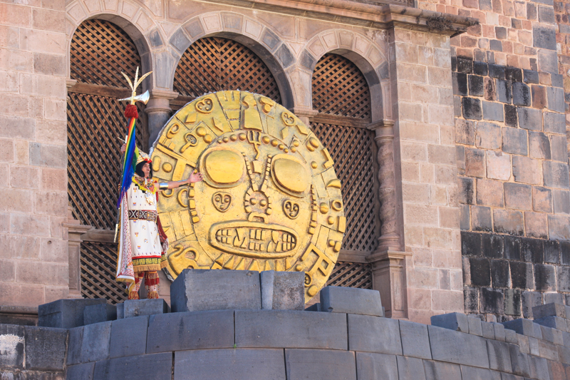 The Inca Sun of Gold in Inti Raymi (Gabriela Filgquiera)