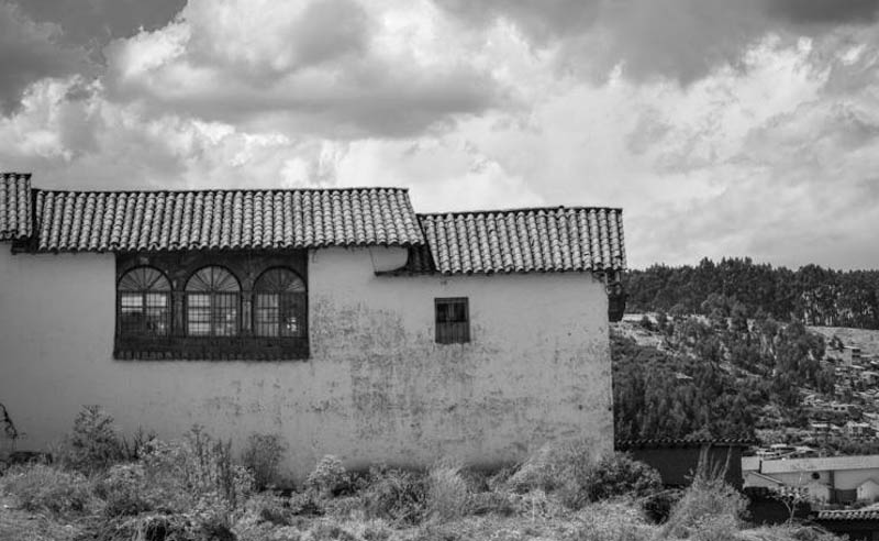 Old House in Cusco (Walter Coraza Morveli)