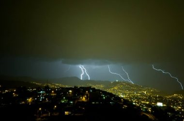 Lightning in Cuzco (Edison Pino)