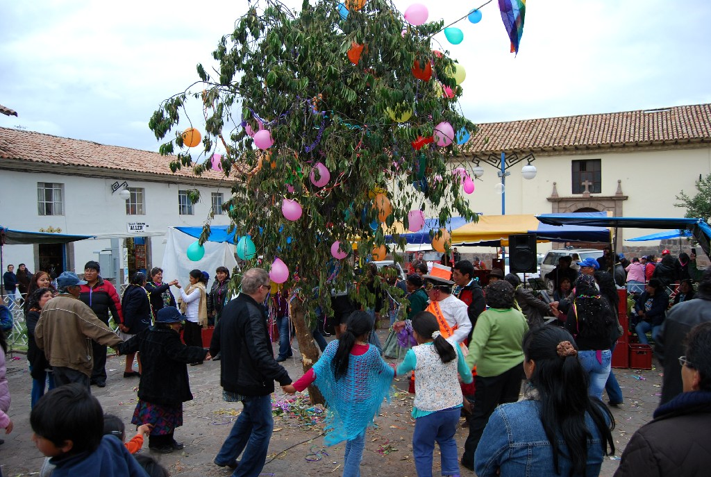 Carnival Reigns in Cusco as Water Bursts Everywhere – Cuzco Eats