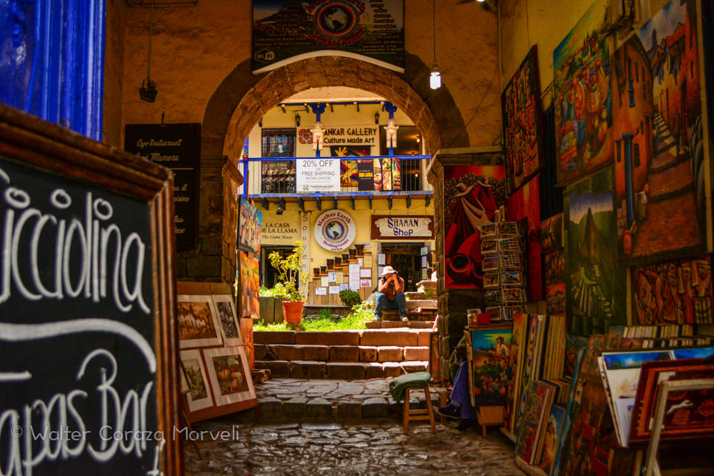 An Art Gallery Of Cusco's Artist (Walter Coraza Morveli)