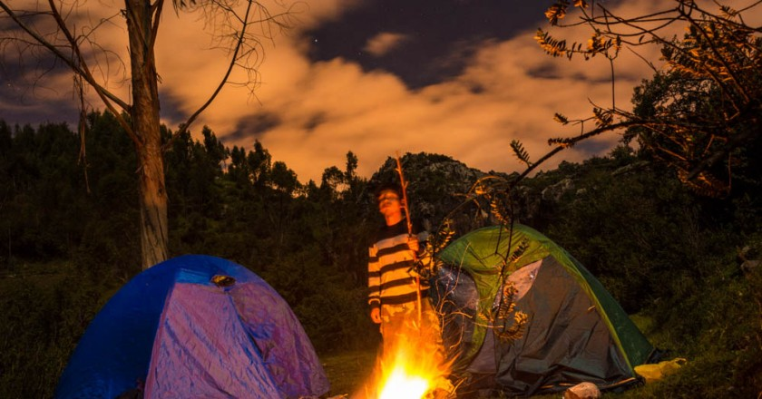 Camping under the Full Moon in Cuzco, Balcon de Diablo (Hebert Huamani Jara)
