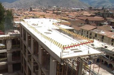 Controversial Sheraton under Construction on Saphy (La Republica)