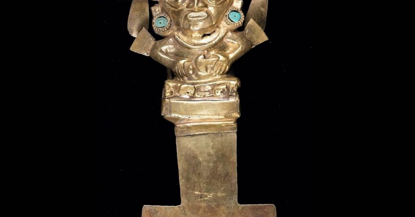 Golden Tumi from the Sican Culture (Sean Pathasema/Birmingham Museum of Art)