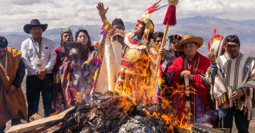 Offering to the Mother Earth (Photo: Walter Coraza)