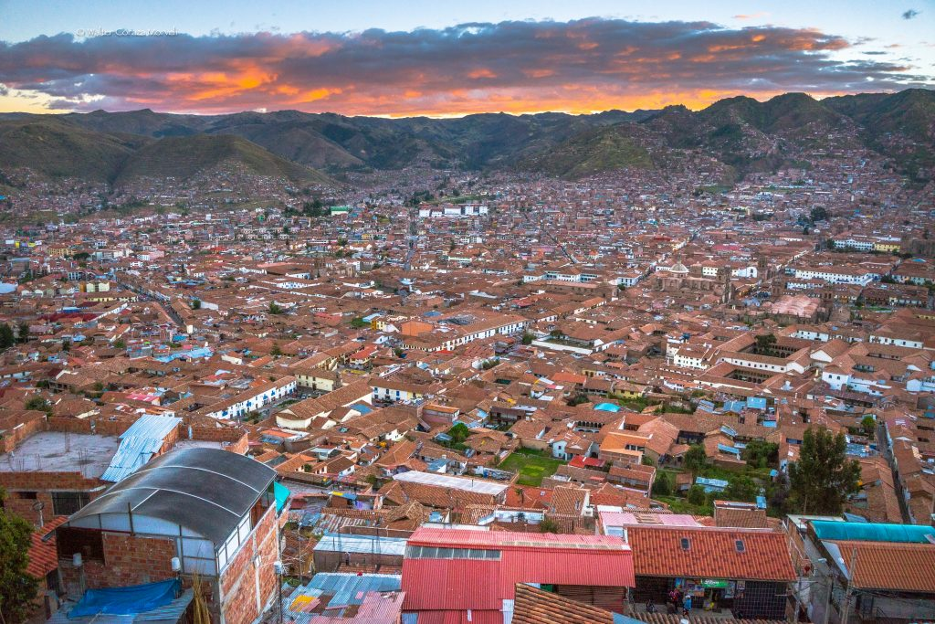 Sunset in Cusco (Walter Coraza Morveli)