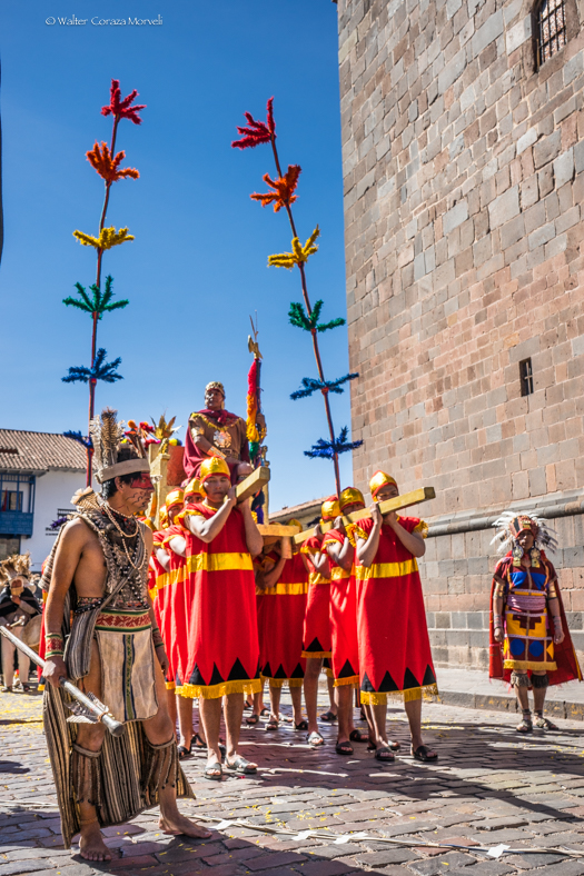 Starting the Procession, the Inca an His Sequito (Walter Coraza Morveli)