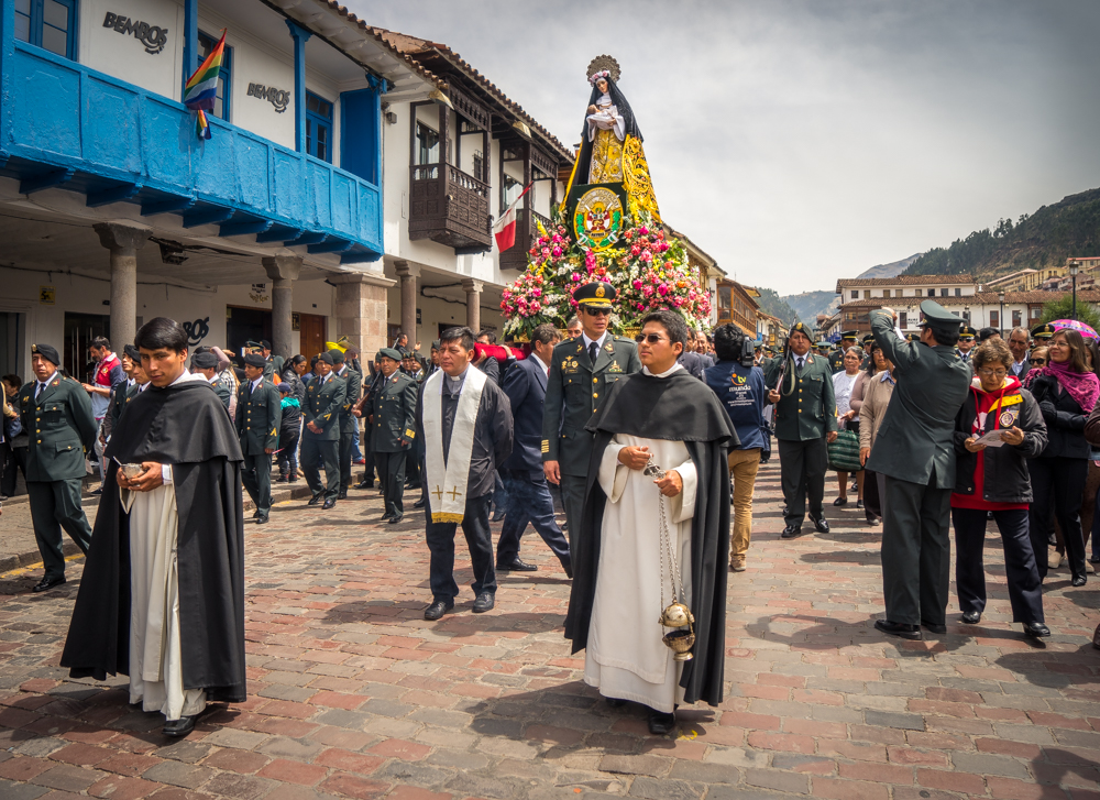 St. Rose of Lima in Procession, Cusco, Plaza de Armas (Walter Coraza Morveli)