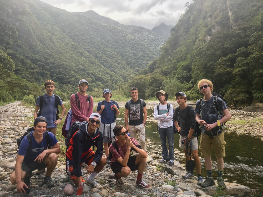 A group in the way to Machu Picchu (Natalie Bankhead)