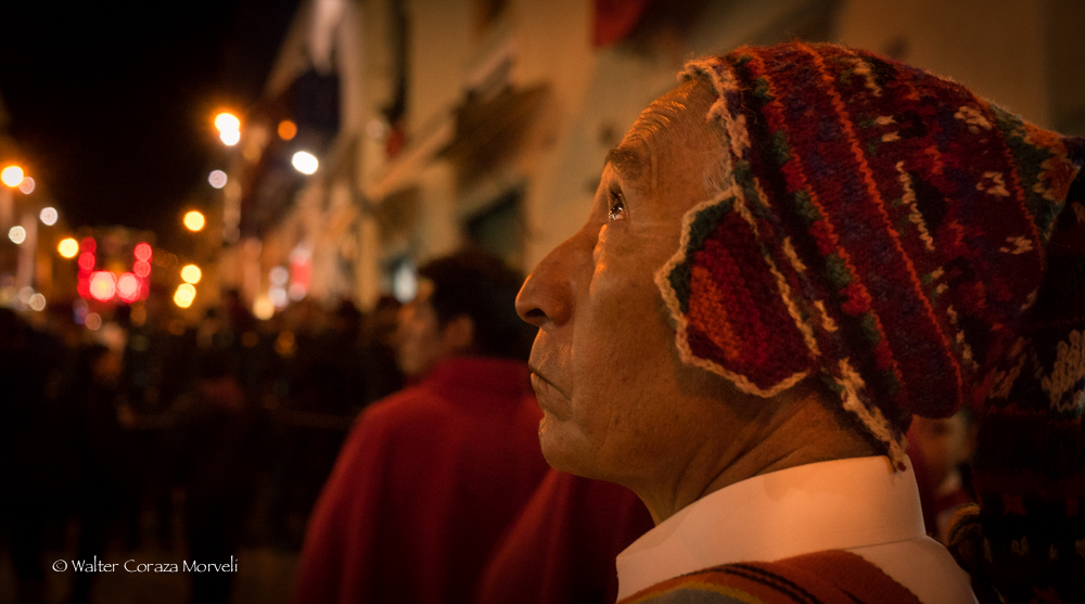 Emotions of the people during the procession of the Lord (Photo: Walter Coraza Morveli)