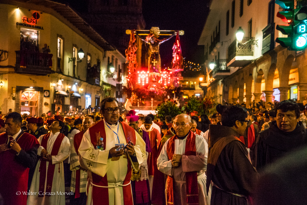The Lord going to the Plaza to give the blessing (Photo by Walter Coraza Morveli)